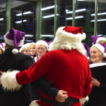 SingMe Merseyside gets an early visit from Santa at the Carr Farm Christmas Lights switch on